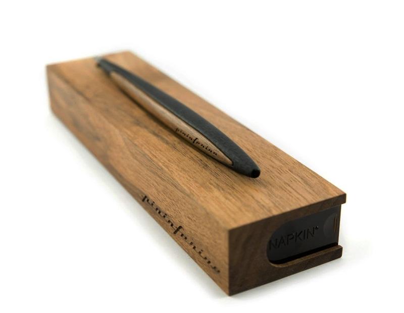 """Aero: la penna-matita che """"non finisce mai"""""""